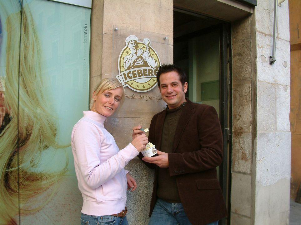 Christoph Ziegler (r.) hat mit einem Freund eine Eisdiele in Palma eröffnet. Seine Lebensgefährtin Dana (l.) ist mit ihm nach Spanien ausgewandert …... - Bildquelle: kabel eins