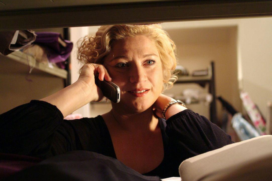 Agnes (Susanne Szell) hat Sehnsucht nach Boris und denkt daran, zu ihm zu ziehen. - Bildquelle: Monika Schürle Sat.1