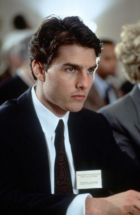 Mitch McDeer (Tom Cruise) gerät in ein tödliches Kreuzfeuer zwischen FBI, kriminellen Banden und einer Macht, die vor nichts zurückschreckt. - Bildquelle: Paramount Pictures