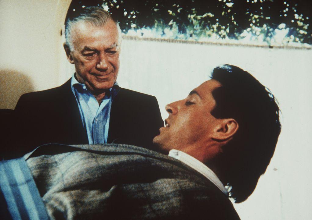 Sidney Rollins (Mark Stevens, l.) ist ein rechtsradikaler Ex-Agent, der Pazifisten bekämpft. Unglücklicherweise gerät Lee (Bruce Boxleitner, r.) in...