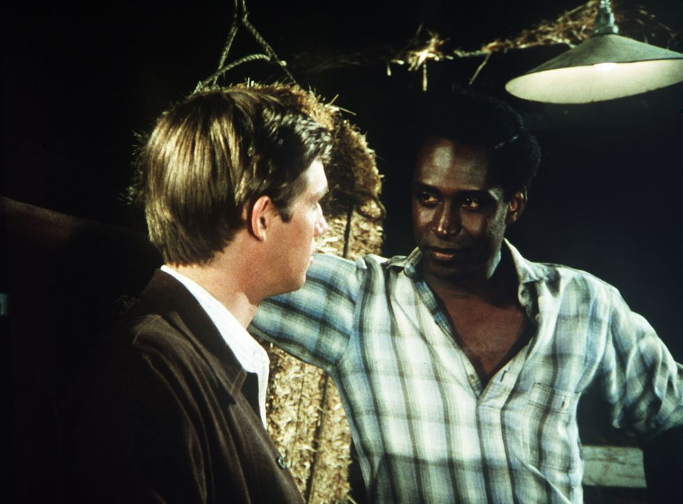 John-Boy (Richard Thomas, l.) hat es übernommen, den Boxer James (Cleavon Little, r.) zu managen. - Bildquelle: WARNER BROS. INTERNATIONAL TELEVISION