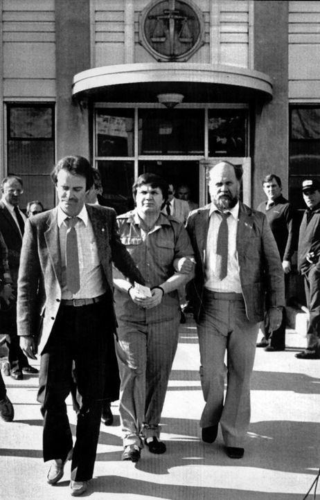 Der US-amerikanische Serienmörder Arthur Gary Bishop (M.) wurde wegen Entführung und Ermordung von fünf Kindern aus Salt Lake City zum Tode verurtei...
