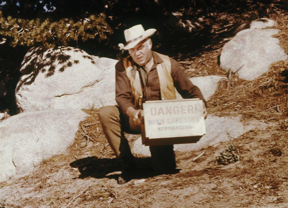 Die wochenlangen Regenfälle haben die Silberminen, denen die meisten Bürger von Virginia City ihren Wohlstand verdanken, unter Wasser gesetzt. Kann... - Bildquelle: Paramount Pictures