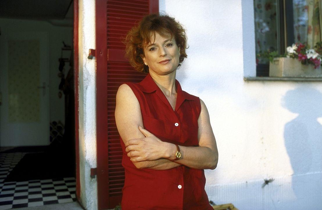 Eigentlich ist Ellen (Sylvia Haider) in ihrer neuen Beziehung sehr glücklich - wären da nicht die unentwegten Streitereien zwischen ihrem Sohn und i... - Bildquelle: Leslie Haslam ProSieben