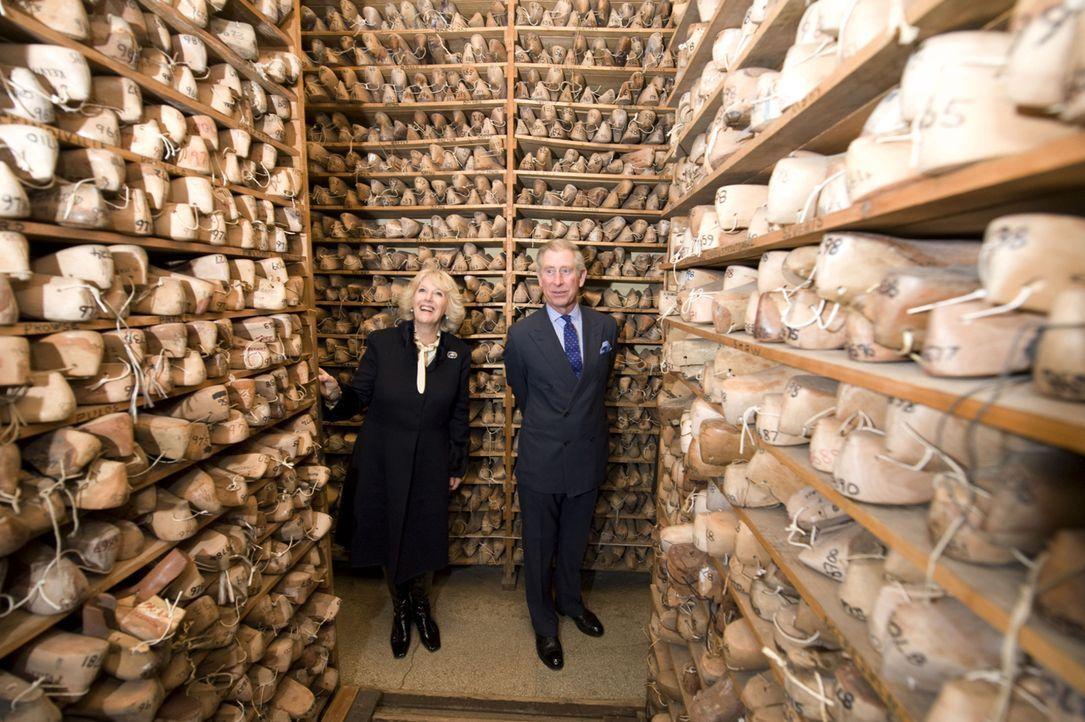 Im Auftrag der Queen unterwegs: Prince Charles (r.) und Duchess Camilla (l.) - Bildquelle: LIKE A SHOT ENTERTAINMENT LTD