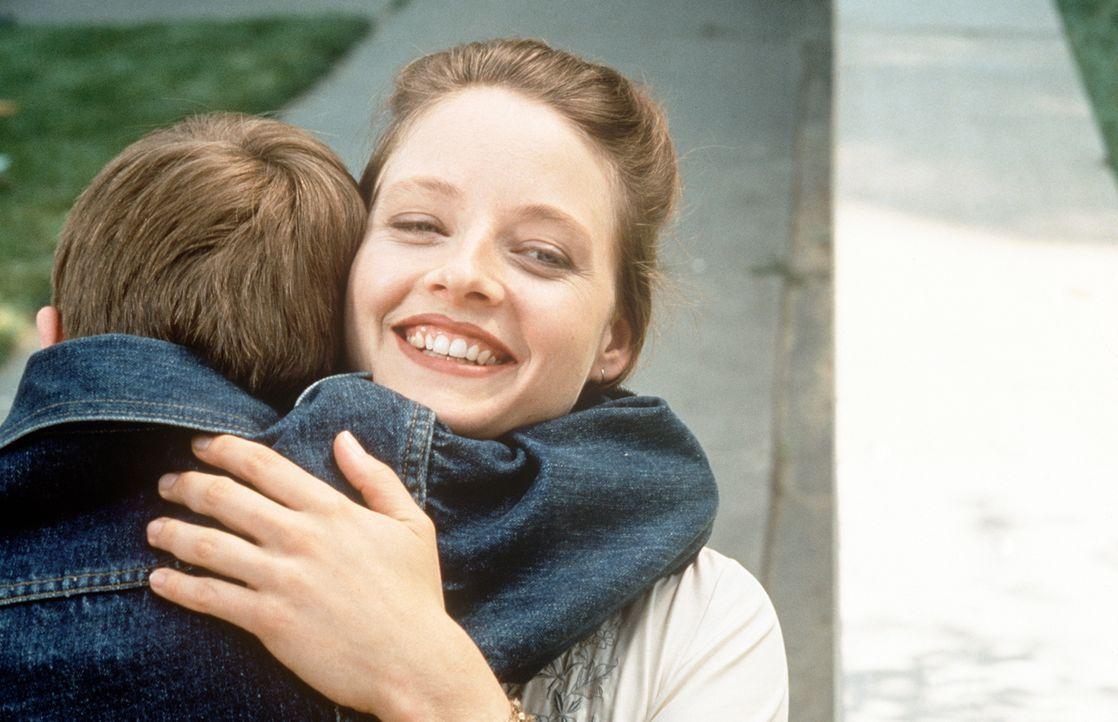 Nur mäßig gebildet kann die arme Dede (Jodie Foster, r.) die Konflikte, mit denen Fred (Adam Hann-Byrd, l.) zu kämpfen hat, nicht verstehen. Sie lie... - Bildquelle: Orion Pictures Corporation