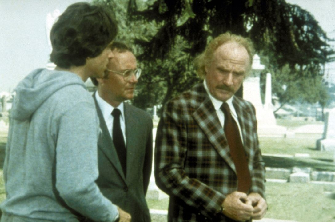 Max Corkle (Jack Warden, r.) weiß nicht, dass der Schutzengel (Buck Henry, M.) Joe (Warren Beatty, l.) viel zu früh von der Erde geholt hat ... - Bildquelle: Paramount Pictures