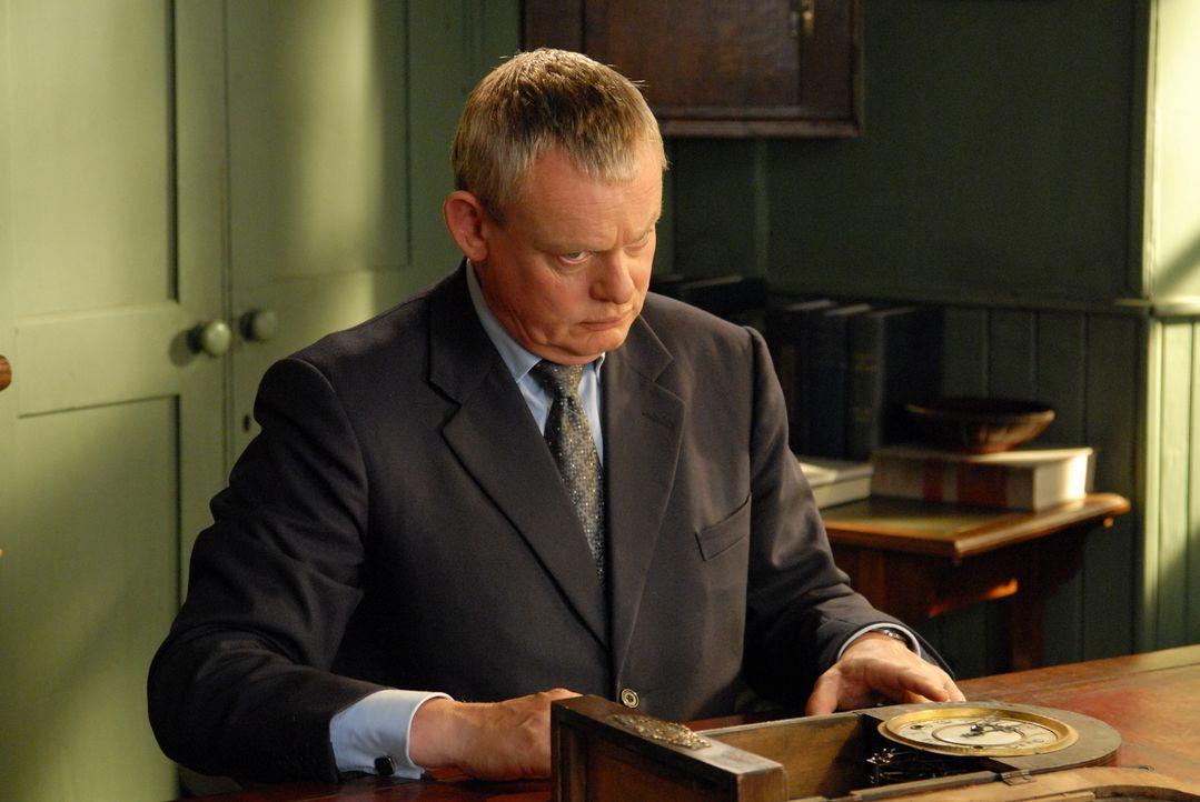 Doc Martins (Martin Clunes) Aufenthalt in Portwenn nähert sich dem Ende. Sein Umzug nach London steht direkt bevor, als sein kleiner Sohn entführt w... - Bildquelle: BUFFALO PICTURES/ITV