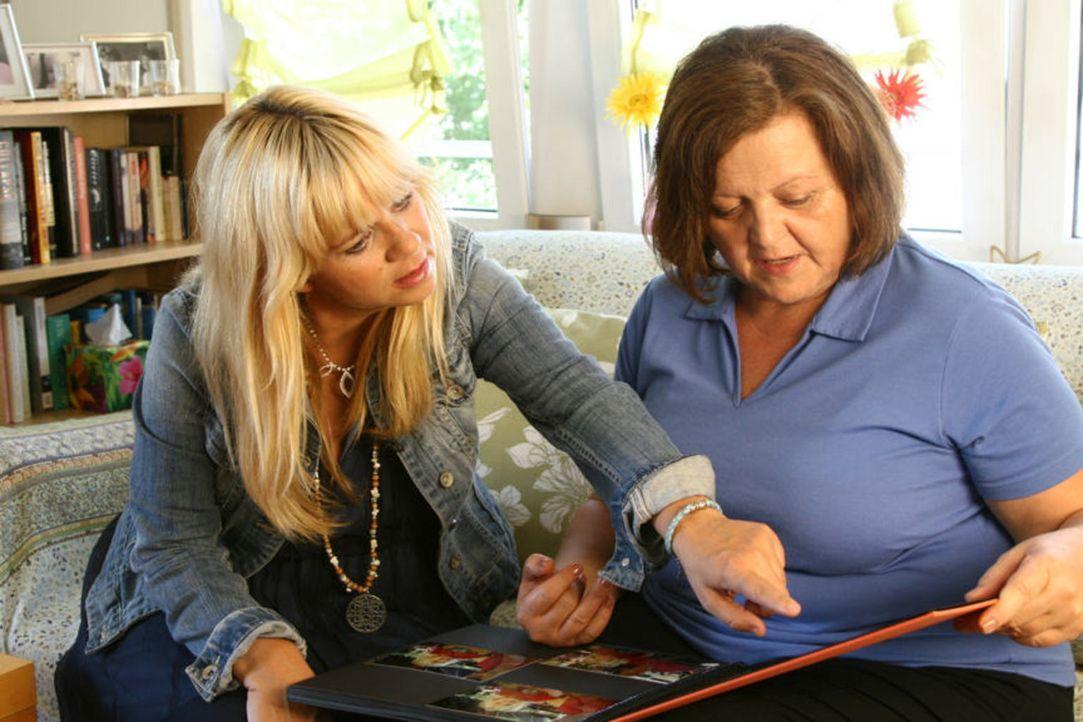 Julia Leischik hilft anderen, geliebte Menschen wiederzufinden. - Bildquelle: Tim Biggs SAT.1