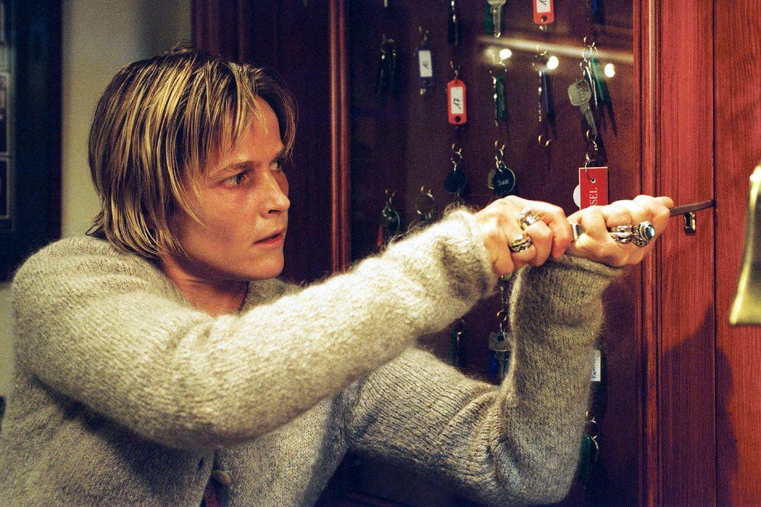 Sophie (Karoline Eichhorn) ist wieder in der psychiatrischen Klinik und macht einige aufschlussreiche Entdeckungen. - Bildquelle: Nicole Manthey Sat.1