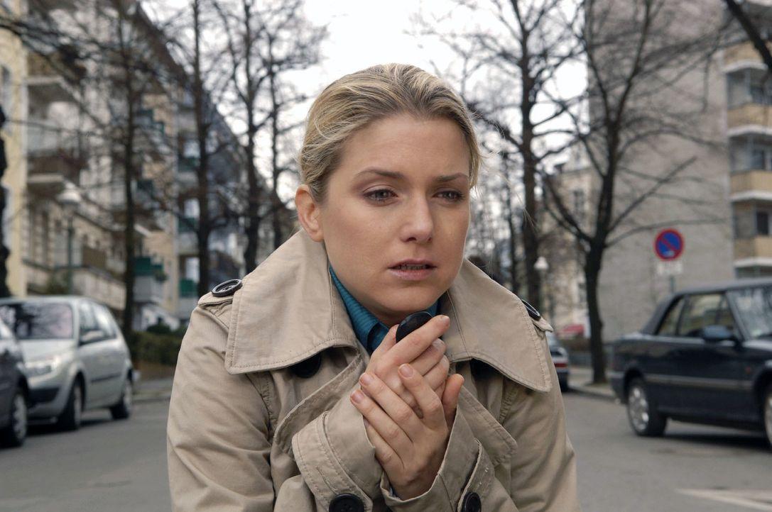 Anna (Jeanette Biedermann) ist schockiert - sie kann sich nicht vorstellen, Jonas zu verlieren ... - Bildquelle: Claudius Pflug Sat.1