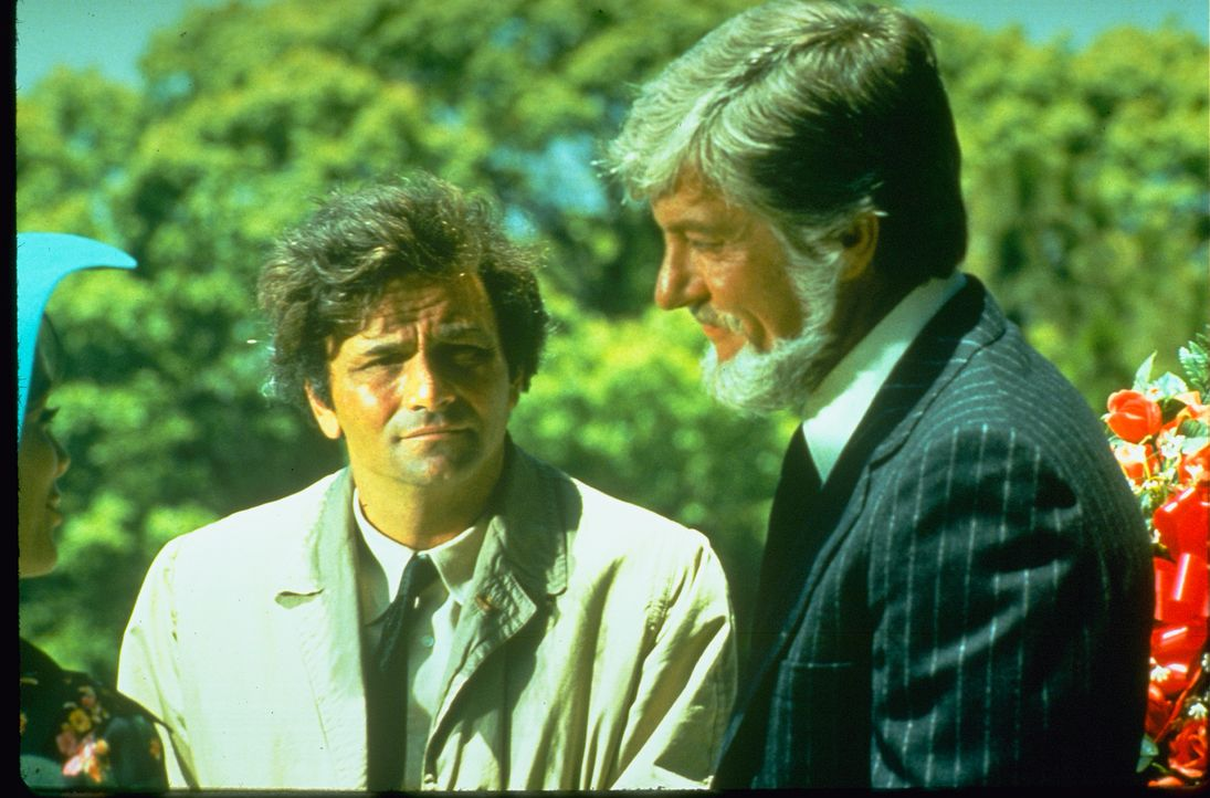 Columbo (Peter Falk, l.); Paul Galesko (Dick Van Dyke, r.) - Bildquelle: 1974 Universal City Studios LLLP. All Rights Reserved.
