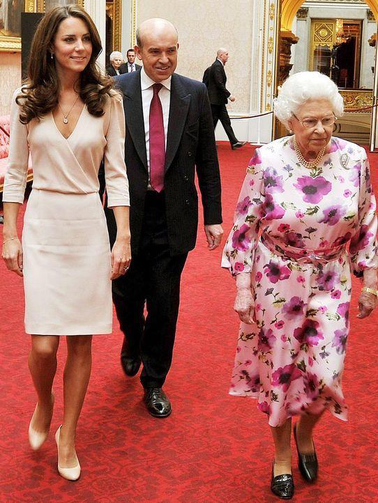 Queen-ElizabethII-Catherine-11-07-22-AFP - Bildquelle: AFP
