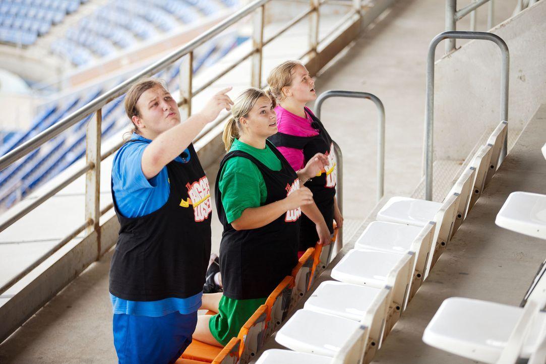 Wieder einmal haben (v.l.n.r.) Marc, Sabrina und Nicole die Chance, einen Gewichtsbonus für das Wiegen zu ergattern ... - Bildquelle: Enrique Cano SAT.1