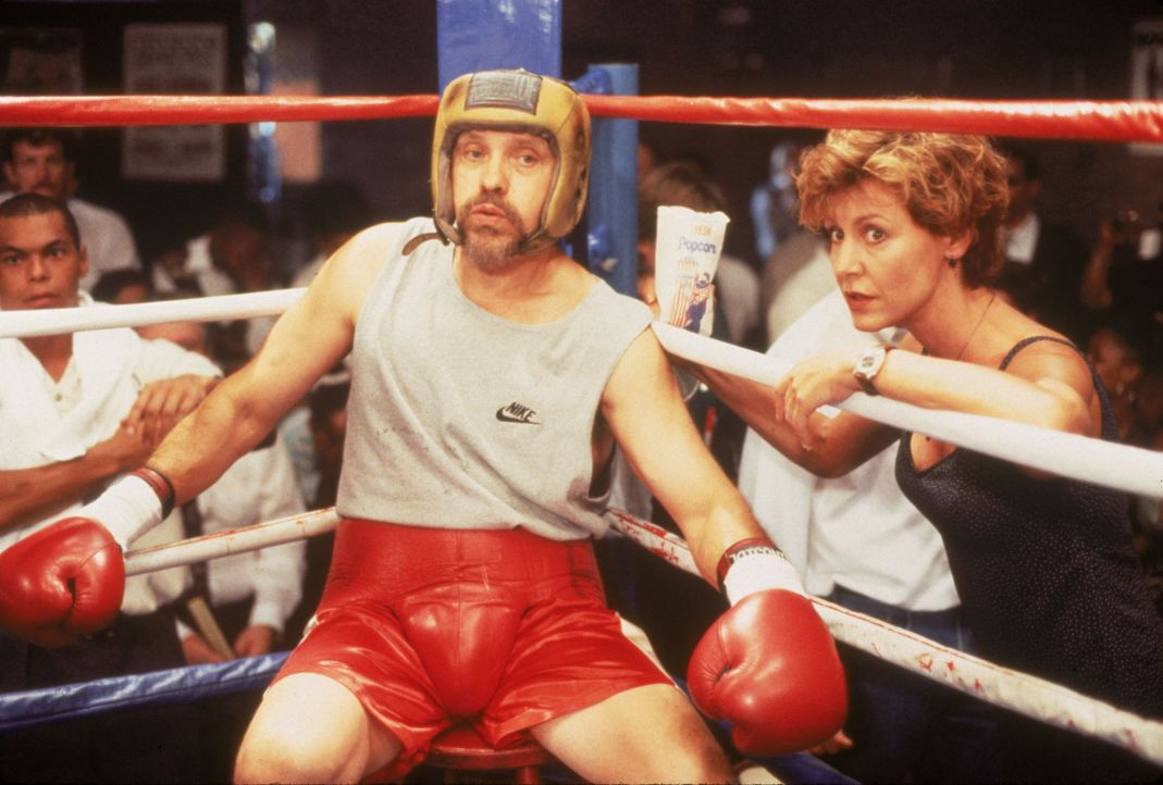 Dr. Phillip Watters (Hector Elizondo, l.); Dr. Kathryn Austin (Christine Lahti, r.) - Bildquelle: 1995 Twentieth Century Fox Film Corporation.  All rights reserved.