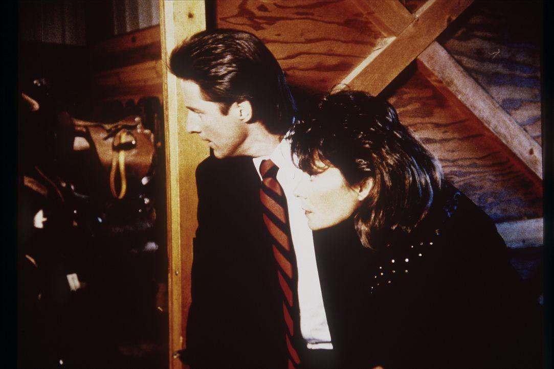 Lee (Bruce Boxleitner, l.) und Amanda (Kate Jackson, r.) sind einem Gemäldediebstahl auf der Spur ...