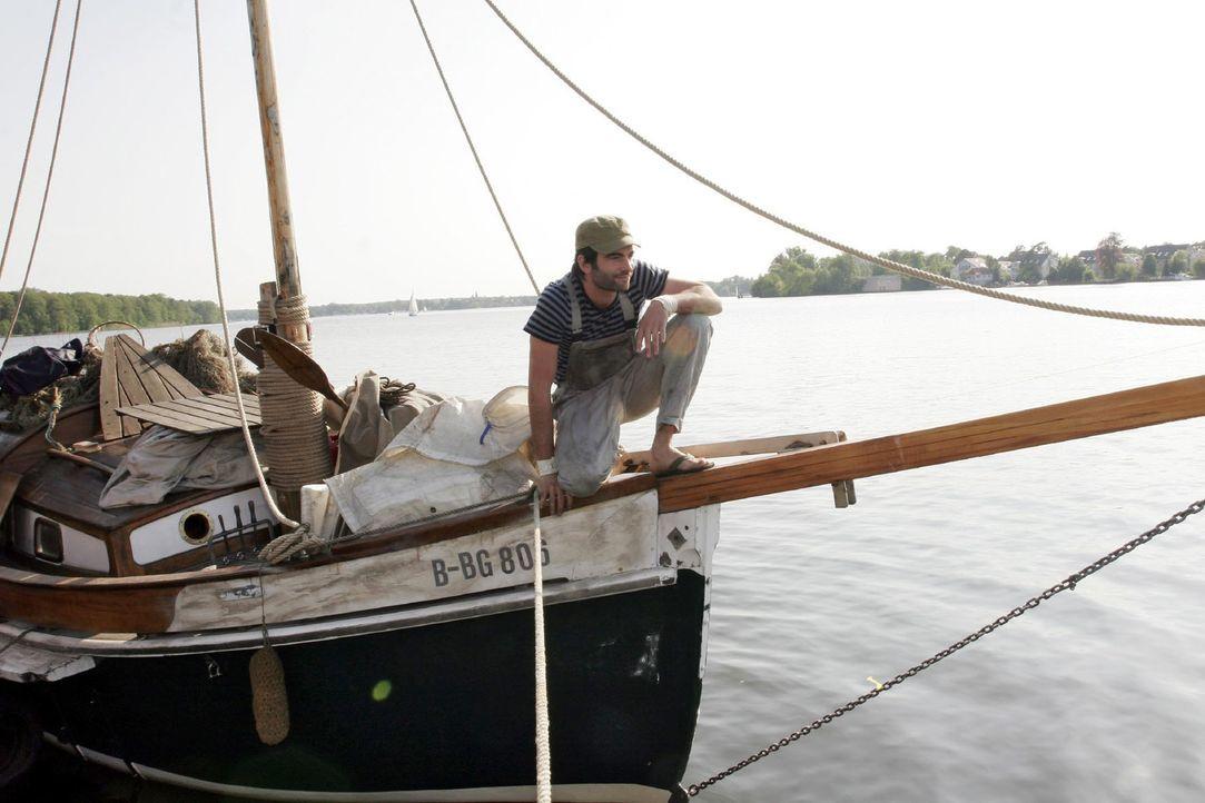 David (Mathis Künzler) hat sich endlich seinen Traum erfüllt und das Boot gekauft. - Bildquelle: Noreen Flynn Sat.1
