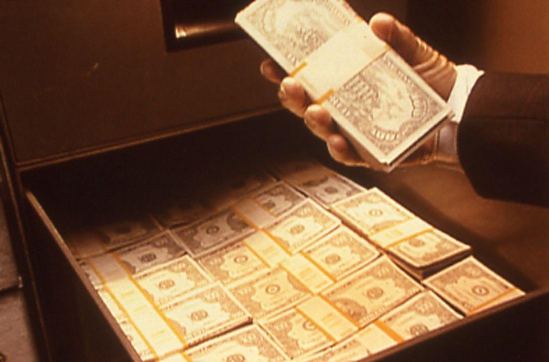 Eine Bank wird in dem kleinen verschlafenen Städtchen Noel in Missouri ausgeraubt und deren Direktor verschwindet spurlos. Aufwändige Ermittlungen f... - Bildquelle: Randy Jacobson New Dominion Pictures, LLC