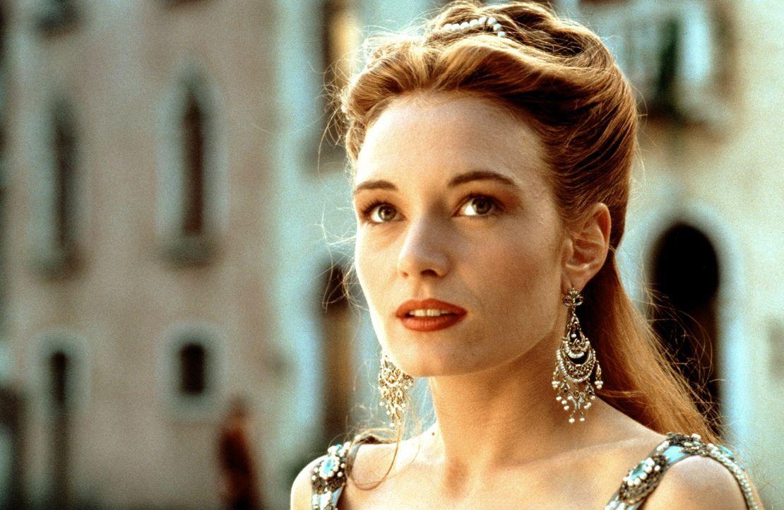 Als Kurtisane steigt die wunderschöne Veronica (Catherine McCormack) zur einflussreichsten Frau Venedigs auf. Da bedrohen die Türken die Stadt der K... - Bildquelle: Warner Bros.