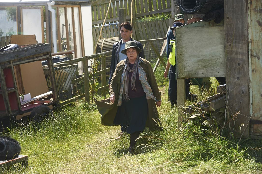 Aiden Healy (Kenny Doughty, l.); Vera Stanhope (Brenda Blethyn, r.) - Bildquelle: Rachel Joseph ITV Studios / Rachel Joseph