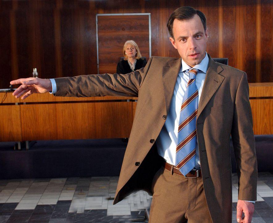 Eines Tages wird der eiskalte und hoch begabte Anwalt Tom Kant (Felix Eitner), der es gewohnt ist, souverän seine Prozesse zu gewinnen, Opfer seiner... - Bildquelle: Elke Werner ProSieben