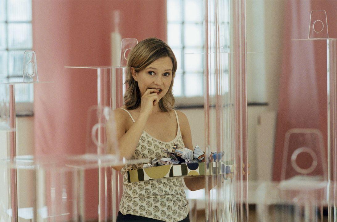 Wider Erwarten erhält Charlotte (Stefanie Stappenbeck) die einmalige Chance, ihre Pop-Art-Werke der Öffentlichkeit zu präsentieren. Doch der Tag der... - Bildquelle: Christian Rieger/Klick ProSieben