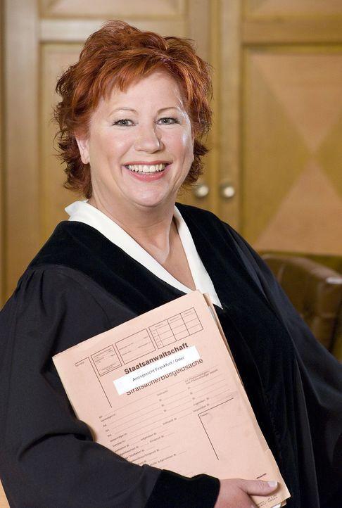 Richterin Barbara Salesch muss sich heute mit der Ehekrise im Hause Berghof herumschlagen ... - Bildquelle: Stefan Menne Sat.1
