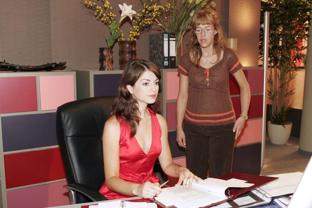 In der fälschlichen Annahme, dass Mariella (Bianca Hein, l.) nicht hinter ihrem gemeinsamen Vorhaben steht, vermasselt die aufgebrachte Lisa (Alexan... - Bildquelle: Noreen Flynn Sat.1