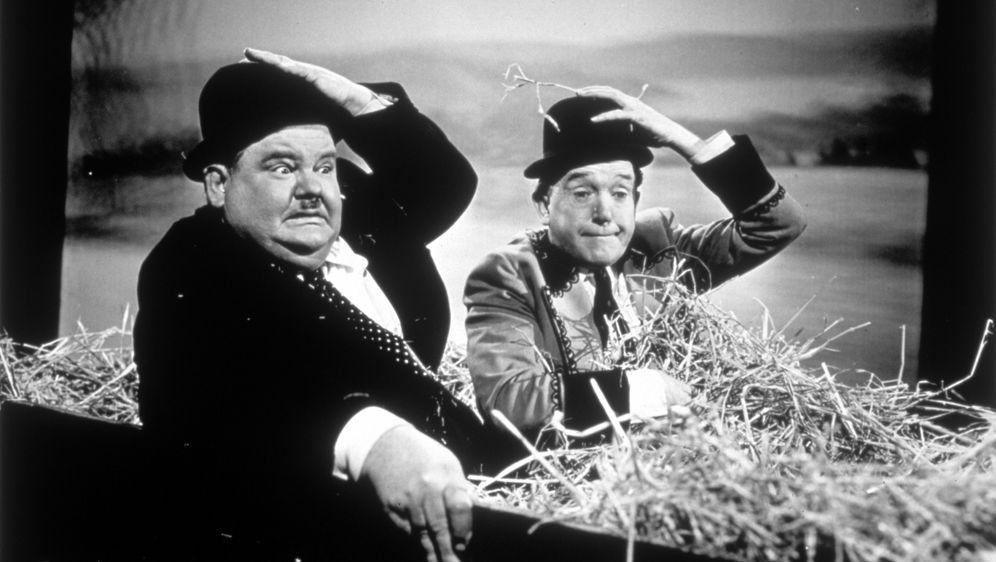 Dick und Doof - Stierkämpfer - Bildquelle: 1945 Twentieth Century Fox Film Corporation.