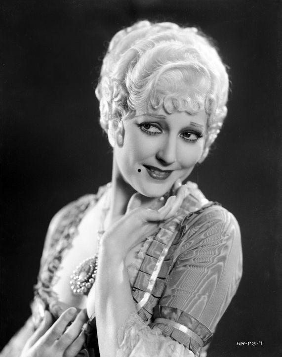 Lady Pamela Rocburg (Thelma Todd) - Bildquelle: Warner Bros.