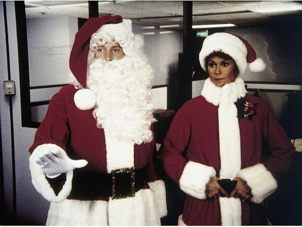 Lee (Bruce Boxleitner, l.) und Amanda (Kate Jackson, r.) wählen für ihre Ermittlungen eine ungewöhnliche Tarnung ...