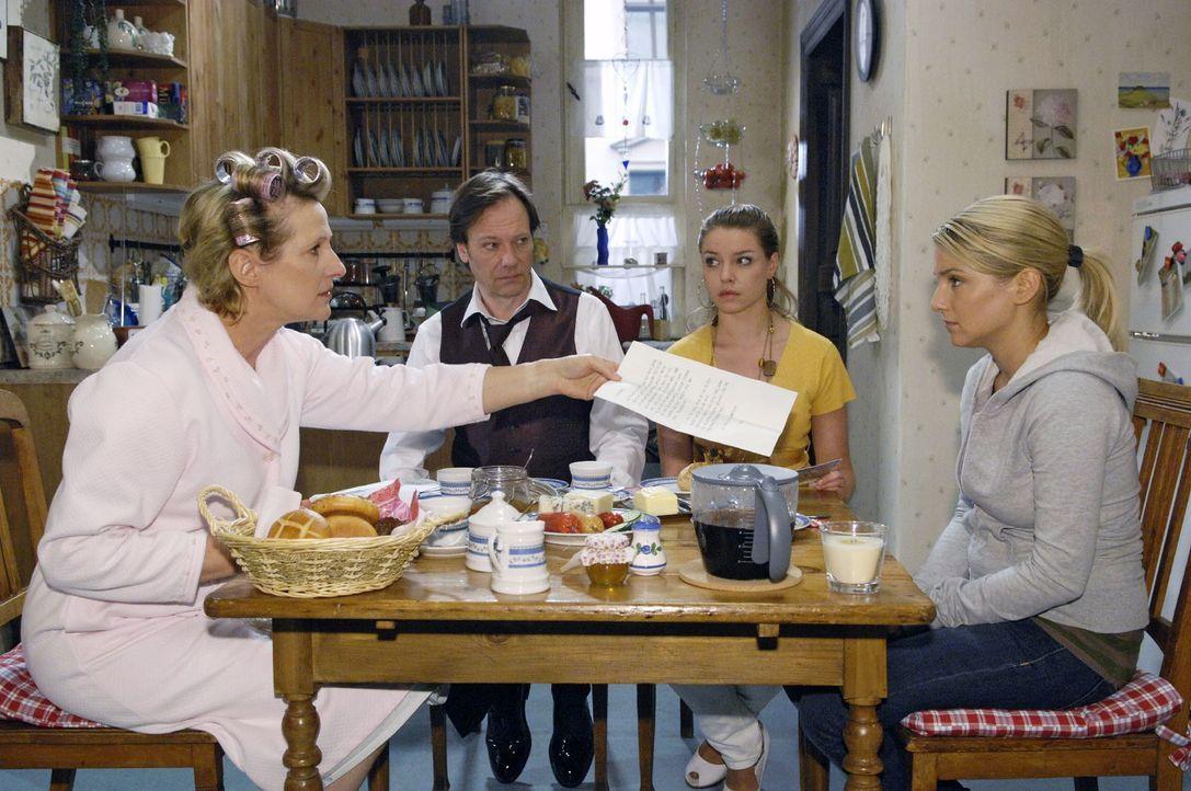 Am Morgen der Hochzeit trifft ein Brief von Ingo ein. Doch Susanne glaubt, er sei wieder von Anna ... v.l.n.r.: Susanne (Heike Jonca), Armin (Rainer... - Bildquelle: Claudius Pflug Sat.1