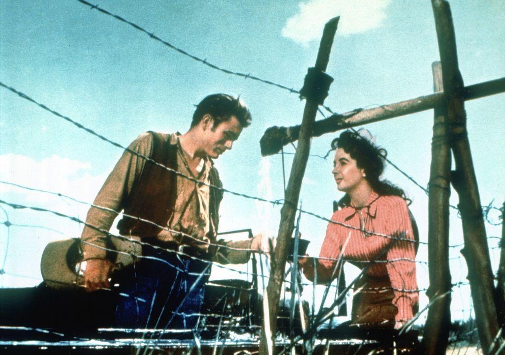 Jett Rink (James Dean, l.); Leslie Lynnton Benedict (Elizabeth Taylor, r.) - Bildquelle: Warner Bros.