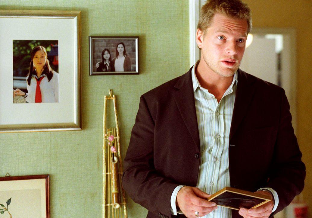 Harnsdorfs Ex-Frau und Mutter von Hitomi erzählt Leo (Henning Baum) vom Verschwinden ihrer Tochter ... - Bildquelle: Christian A. Rieger Sat.1