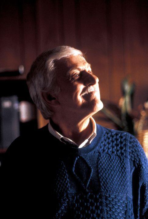 Dr. Mark Sloan (Dick Van Dyke) - Bildquelle: CBS Studios Inc. All Rights Reserved.