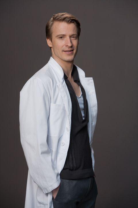 (1. Staffel) - Vollblutmediziner Dr. David Heller (Max von Pufendorf) hat nach Jahren als Intensivmediziner viel Arbeit und vor allem viel Geld in s... - Bildquelle: Conny Klein SAT.1