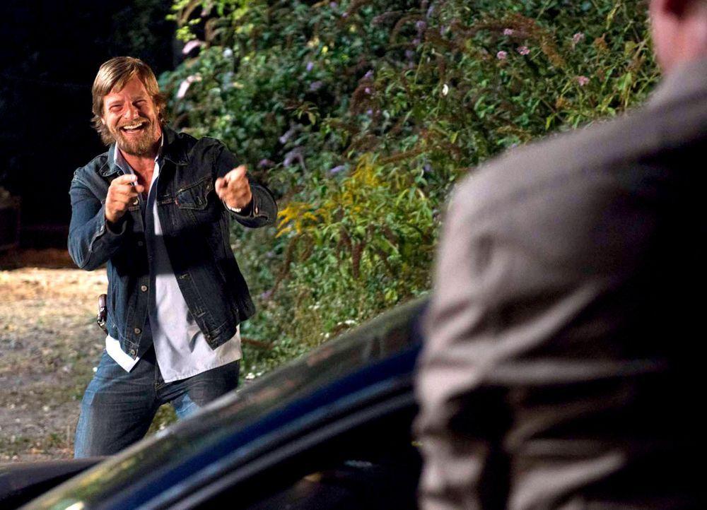 Schon bald müssen seine Kollegen erkennen: Mick (Henning Baum) ist zurück und die ruhigen Zeiten sind vorbei! - Bildquelle: Martin Rottenkolber SAT. 1