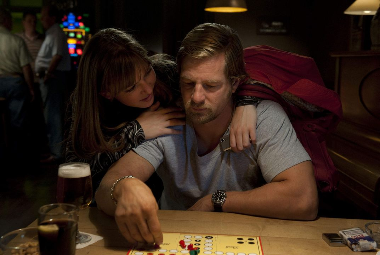 Isabelle (Luise Risch, l.) hat zwei Väter: Meisner und Mick (Henning Baum, r.). Und die beiden können sich nicht ausstehen ... - Bildquelle: Martin Rottenkolber SAT.1