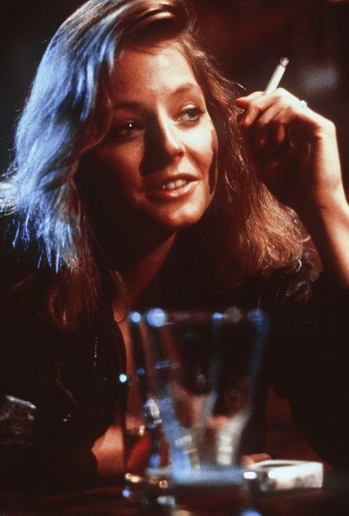 Provozierende Blicke, die entsetzliche Konsequenzen haben: Sarah (Jodie Foster) wird in der Kneipe vor den Augen johlender Zeugen brutal vergewaltig... - Bildquelle: Paramount Pictures
