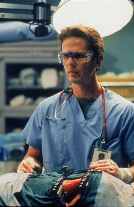 Dr. Billy Kronk (Peter Berg) - Bildquelle: 1996 Twentieth Century Fox Film Corporation.  All rights reserved.