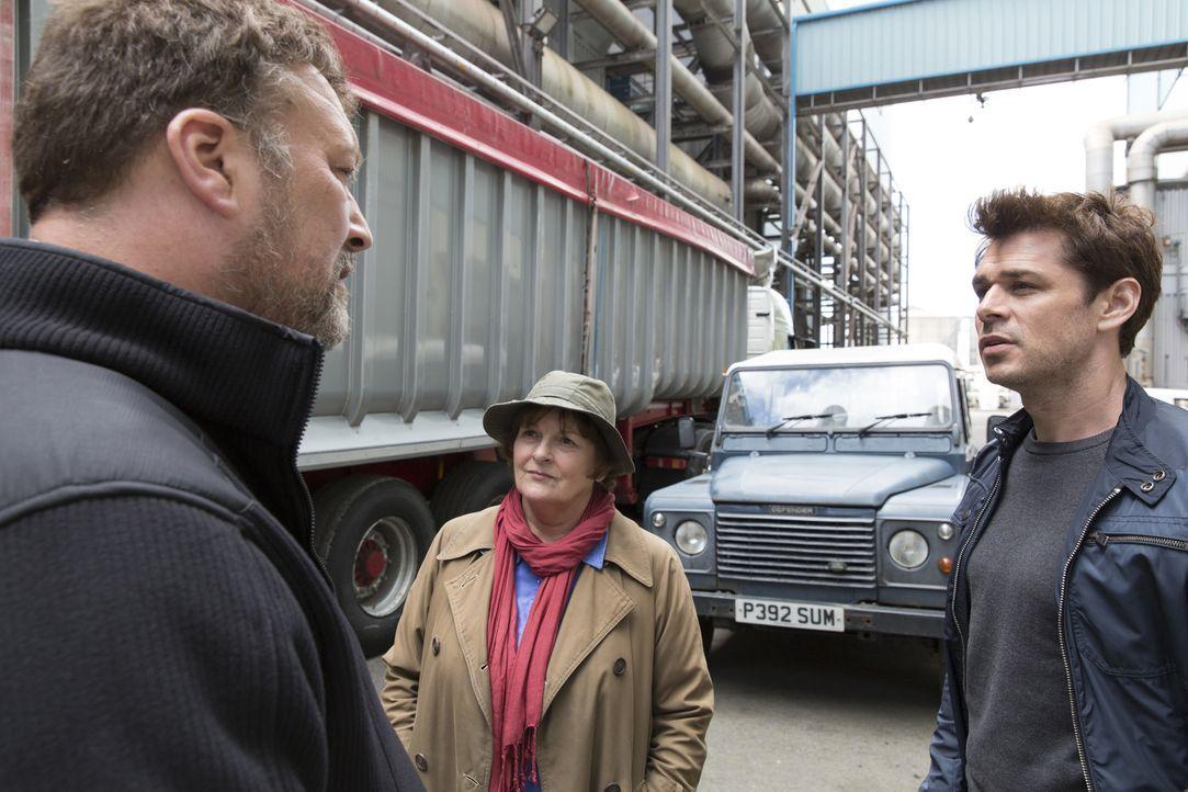 (v.l.n.r.) Iain Hobswain (Ian Burfield); Vera Stanhope (Brenda Blethyn); Aiden Healy (Kenny Doughty) - Bildquelle: ITV Studios