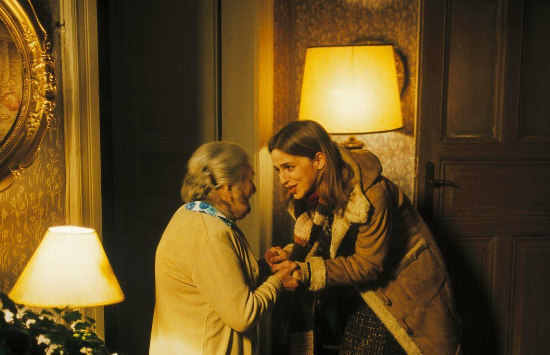 Als Lenny auftaucht, will Helena (Lucie Zednicková-Pokorná, l.) nicht mit der Vergangenheit konfrontiert werden. Doch dann packt sie das Jagdfieber.... - Bildquelle: Jiri Hanzl ProSieben