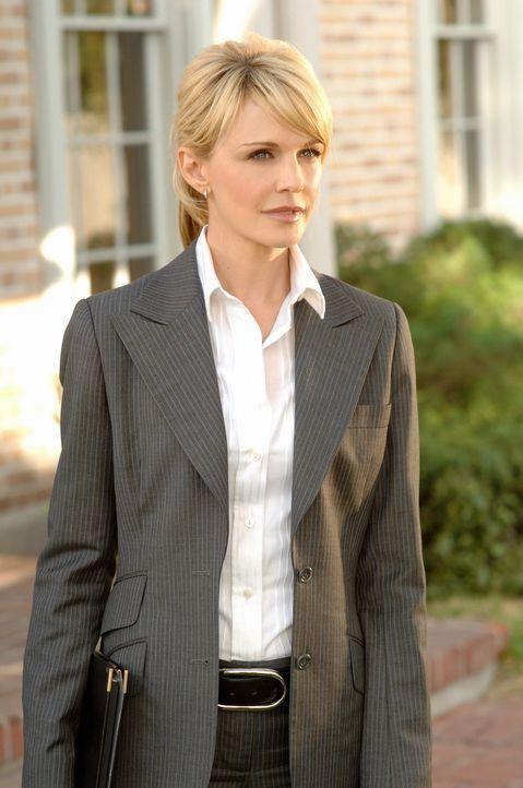 Auf der Suche nach Hinweisen: Det. Lilly Rush (Kathryn Morris) - Bildquelle: Warner Bros. Television
