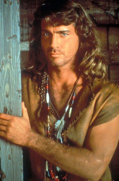 Ein wortkarger Einzelgänger, der seit Jahren bei den Cheyenne-Indianern lebt: Byron Sully (Joe Lando) ... - Bildquelle: CBS Studios Inc. All Rights Reserved.