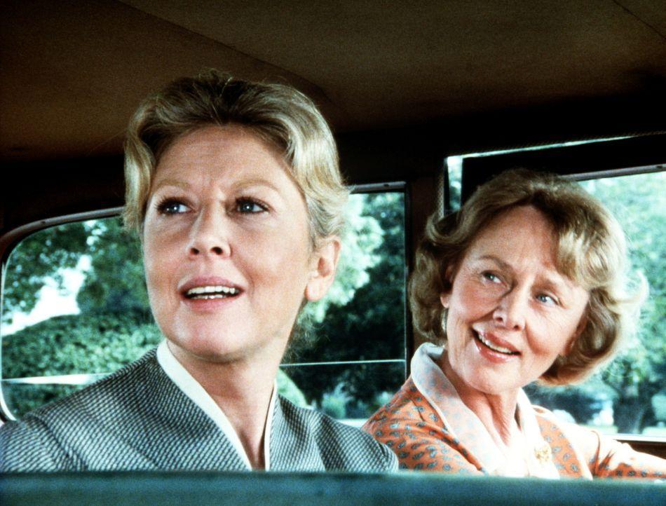 Olivia Walton (Michael Learned, l.) lernt von ihrer Tante Kate (Louise Latham, r.), dass das Altern durchaus auch seine schönen Seiten hat ... - Bildquelle: WARNER BROS. INTERNATIONAL TELEVISION
