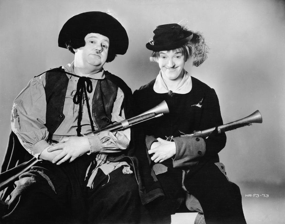 Ollio (Oliver Hardy, l.); Stanlio (Stan Laurel, r.) - Bildquelle: Warner Bros.