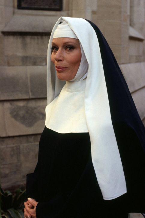 (3. Staffel) - Nachdem sie Carlo Agretti getötet hat, kommt Julia (Abby Dalton) ins Gefängnis. Nach ihrer Entlassung geht sie, inzwischen erblindet,... - Bildquelle: 1984   Warner Brothers