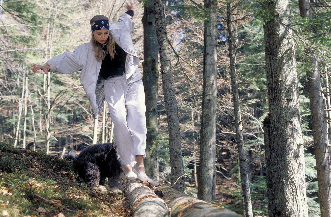 Bei einem gemeinsamen Wochenende in den Bergen stürzt Hanna (Katharina Böhm) schwer. Von nun an ist sie für immer an den Rollstuhl gefesselt - und a... - Bildquelle: Rolf von der Heydt ProSieben