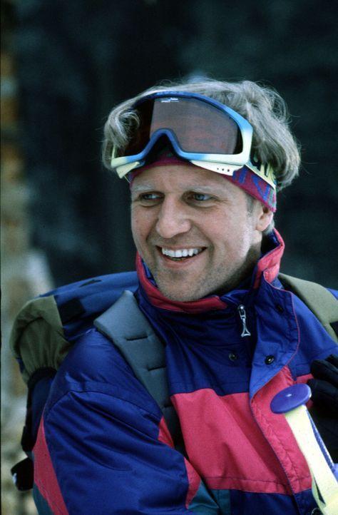Was weiß Franz Roggosch (Harald Krassnitzer) über den Tod seines Freundes Waldi? - Bildquelle: Hermann Huber Sat.1