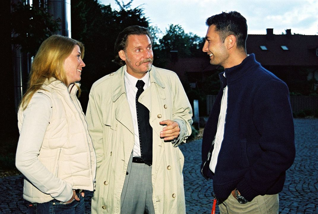 Rechtsanwalt Ingo Lenßen (M.) und seine Ermittler Katja Hansen (l.) und Tekin Kurtulus (r.) - Bildquelle: Riedel Sat.1